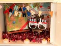 ロッカーにプレゼントを仕込むサプライズ!デコレーション例と、飾り付けアイテム